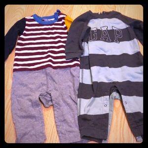 Baby Gap bodysuits 6-12 Month